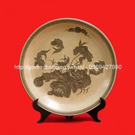 Đĩa khắc sen cá nền men rạn đường kính 45cm