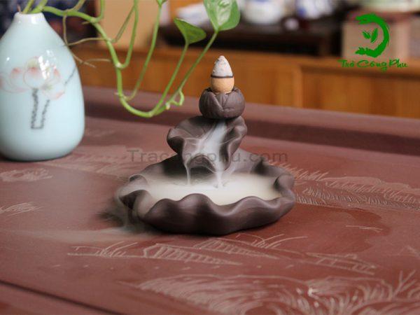 Thác khói trầm hương liên hoa