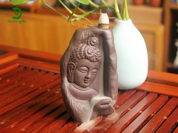 Thác khói trầm hương hình Phật Tổ