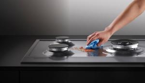 làm sạch dụng cụ nhà bếp